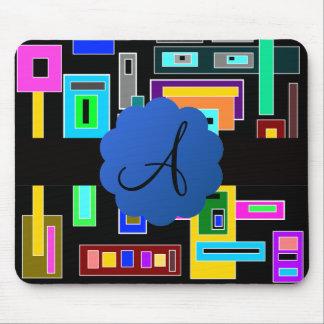 Monograma retro de los cuadrados mouse pads