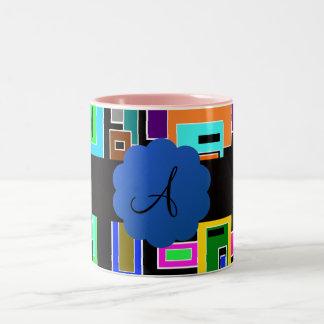 Monograma retro de los cuadrados taza dos tonos