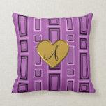 Monograma retro púrpura de los cuadrados de la lil cojin