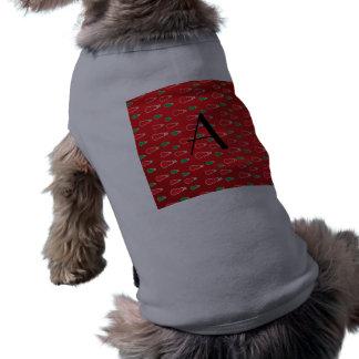 Monograma rojo de los muñecos de nieve camisa de perro
