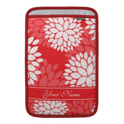 Monograma rojo elegante de las flores blancas fundas para macbook air