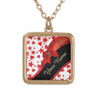 Monograma rojo y blanco modelado femenino bonito colgante cuadrado
