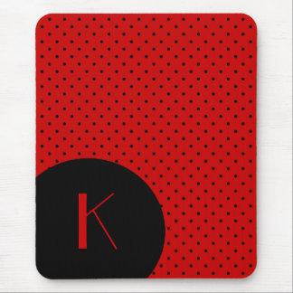 Monograma rojo y negro elegante del lunar tapete de ratones