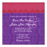 Monograma rojo y púrpura del damasco que casa V14 Invitaciones Personalizada
