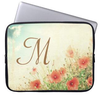 """Monograma rosado 15"""" de las flores salvajes caja fundas ordendadores"""