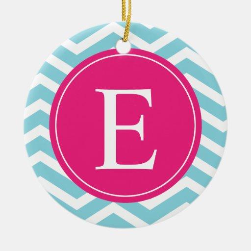 Monograma rosado brillante blanco azul de Chevron Adornos De Navidad