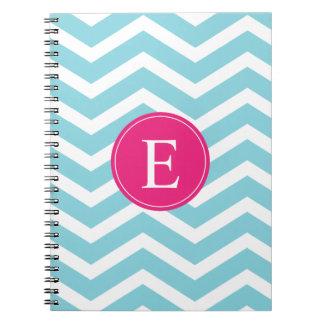 Monograma rosado brillante blanco azul de Chevron Libreta Espiral