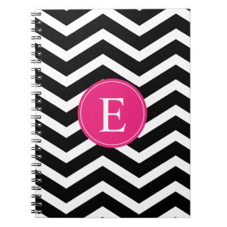 Monograma rosado brillante blanco negro de Chevron Libro De Apuntes