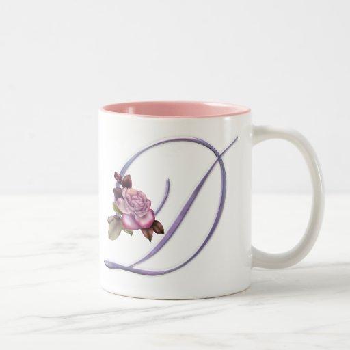 Monograma rosado D de los rosas Taza De Dos Tonos