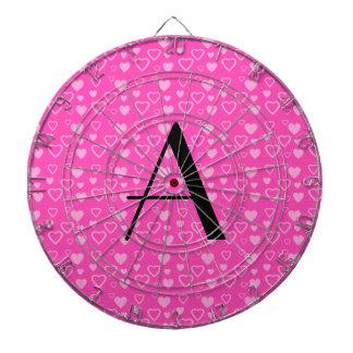 Monograma rosado de los corazones tabla dardos
