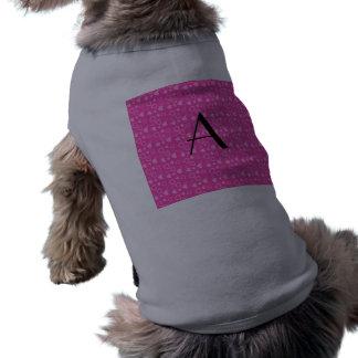 Monograma rosado de los corazones ropa de perros