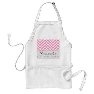 Monograma rosado de moda del zigzag delantal