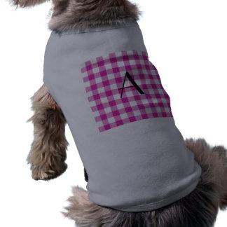 Monograma rosado del modelo de la guinga camisa de perro
