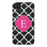 Monograma rosado negro de Quatrefoil iPhone 4 Case-Mate Cárcasas