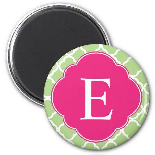Monograma rosado verde de Quatrefoil Imán Redondo 5 Cm
