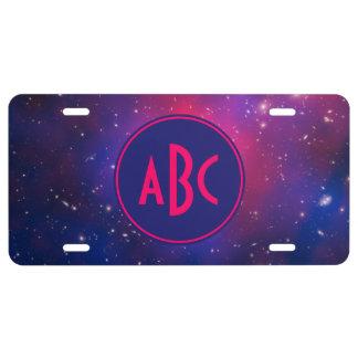 Monograma rosado y azul brillante del racimo de la placa de matrícula