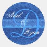 Monograma V2 del boda del damasco del azul del Etiquetas Redondas