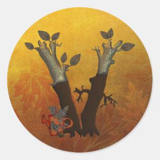 Monograma V del árbol del otoño Pegatina Redonda