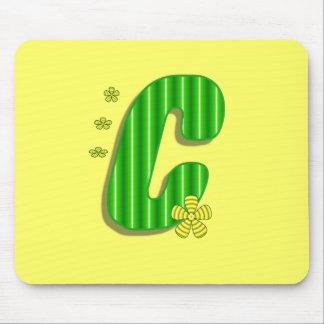 monograma verde de c tapetes de raton