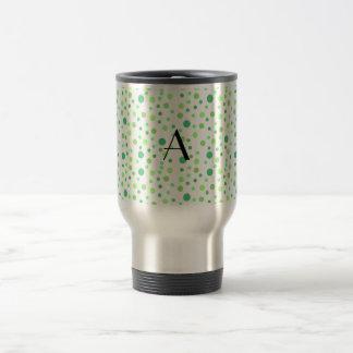 Monograma verde de los lunares taza de café