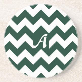 Monograma verde oscuro y blanco del zigzag posavasos personalizados