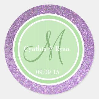 Monograma verde púrpura del boda del brillo y de etiquetas redondas