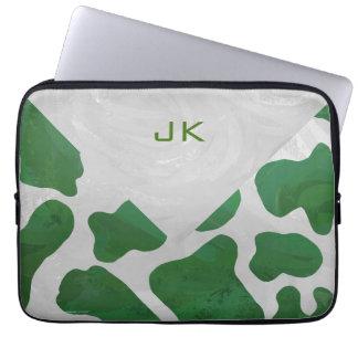 Monograma verde y blanco de la vaca fundas ordendadores