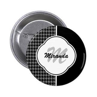 Monograma y nombre blancos negros modernos de pin
