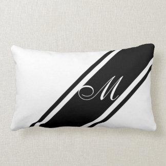 Monograma y rayas almohadas
