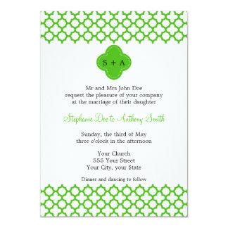 Monogrammed Kelly Green Quatrefoil Pattern Wedding 5x7 Paper Invitation Card