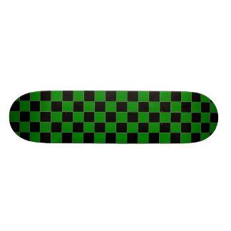 """Monopatín a cuadros negro y verde patineta 8 1/2"""""""