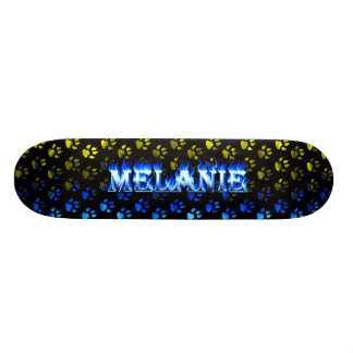 Monopatín azul de Skatersollie del fuego de Melani