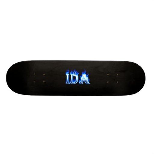 Monopatín azul de Skatersollie del fuego del Ida