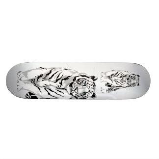 Monopatín blanco majestuoso del tigre tablas de skate