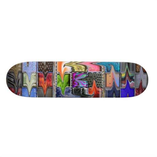 Monopatín colorido deformado del modelo de los est tablas de patinar