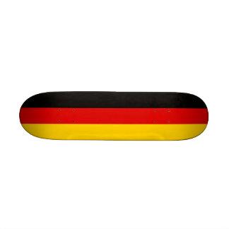 Monopatín con la bandera de Alemania