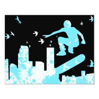 monopatín con los pájaros: paisaje urbano invitación 10,8 x 13,9 cm