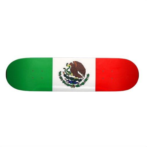 Monopatín de la bandera mexicana