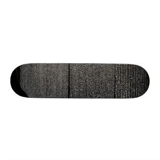 Monopatín de la piedra de Rosetta favorable