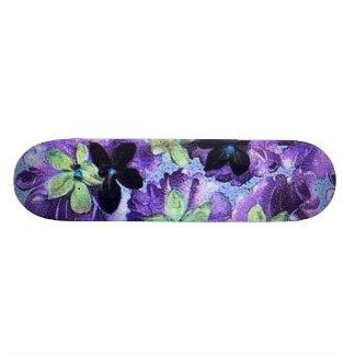 Monopatín de las violetas del vintage