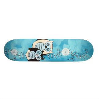 Monopatín de los búhos del invierno skateboard