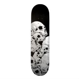 Monopatín de los cráneos patines