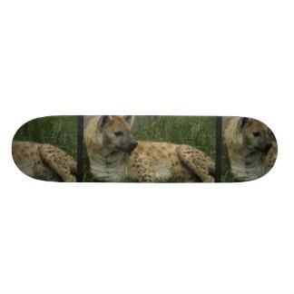 Monopatín de los Hyenas de risa