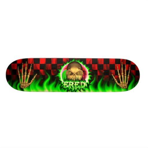 Monopatín de Skatersollie del fuego del verde del