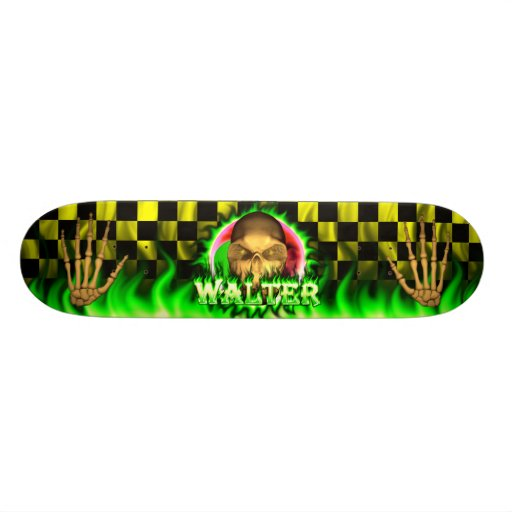Monopatín de Skatersollie del fuego del verde del  Monopatín Personalizado