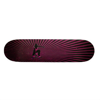 Monopatín del chica del patinador tabla de patinar