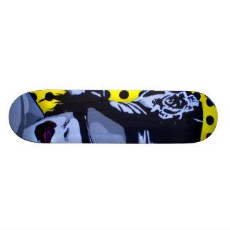 "Monopatín del ""control total"" skate boards"