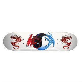 Monopatín del dragón de Yin Yang