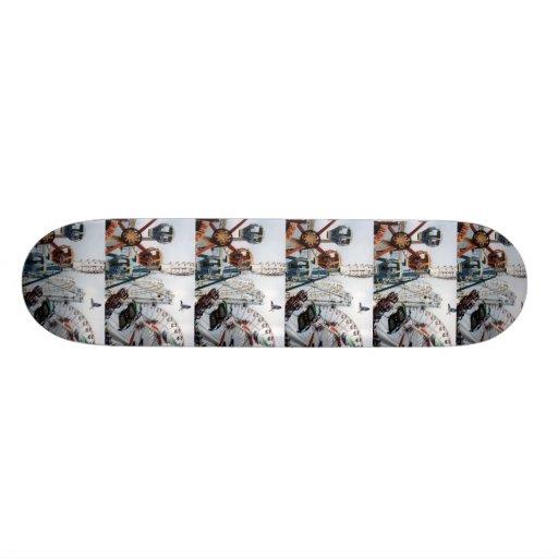 Monopatín del embarcadero de la orilla skate board
