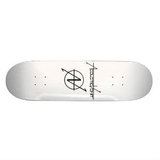 Monopatín del nombre y del logotipo del sistema de tabla de skate